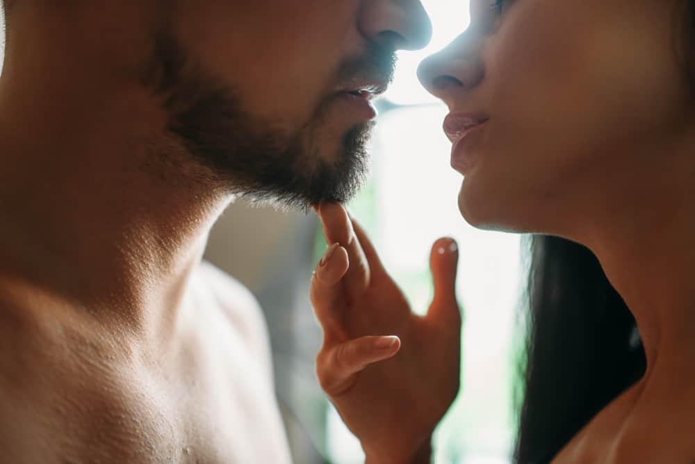 Kako se ljubiti s jezikom